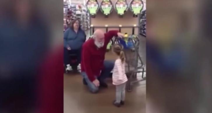 Esta niña que cree que encontró a Santa es lo más tierno que verás hoy