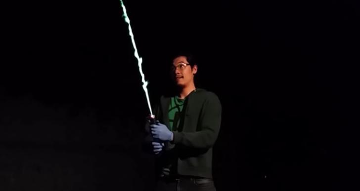 Esto es lo más parecido a una espada láser de verdad