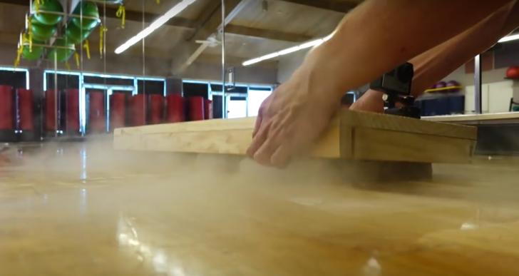 Cómo crear una hoverboard con una tabla y hielo seco