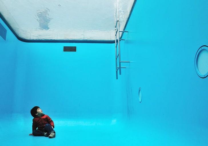 Sumérgete dentro de esta genial piscina falsa