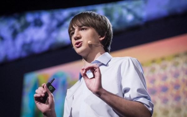 Un joven de 16 años le esta metiendo miedo a la industria farmacéutica