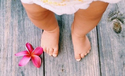 Niños descalzos, niños más inteligentes