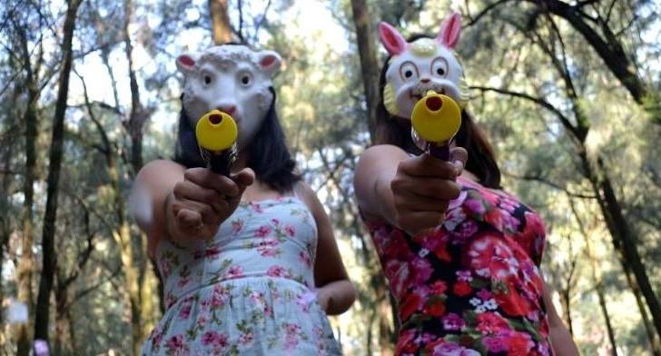 Con un performance punk Las Hijas de Violencia combaten el acoso callejero en México