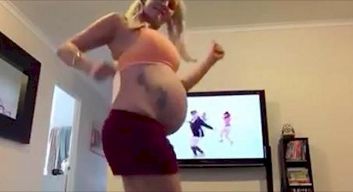 Es increíble como baila esta mujer a pesar de tener 38 semanas de embarazo