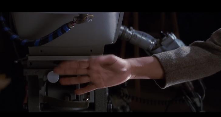 La gente hace cosas muy raras con las manos en el cine