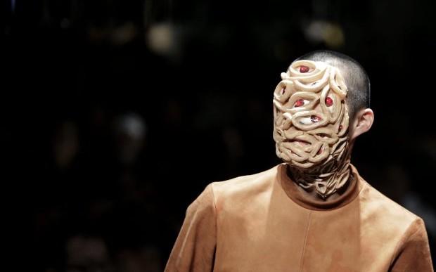 Tener cara de monstruo es la última moda