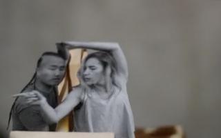 Este artista hace stop motion con recortes de película