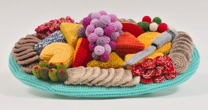 Trevor Smith crea platillos elaborados y electrodomésticos con lana