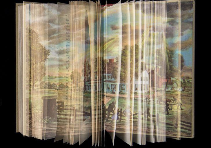 Fotos de exposición múltiple capturan el placer de leer siendo niño