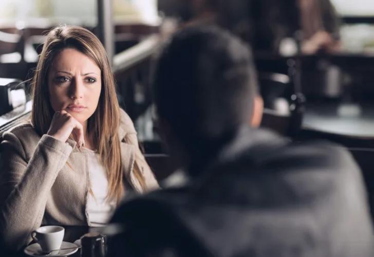 Mujeres cuentan los comportamientos incómodos de los hombres