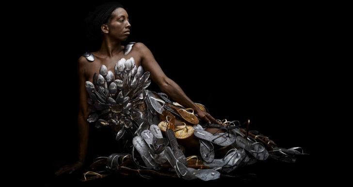 Elegante retratos por la mitología africana
