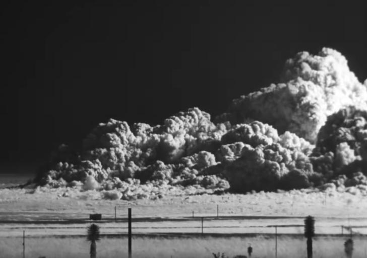 Explosión atómica en cámara lenta y en HD