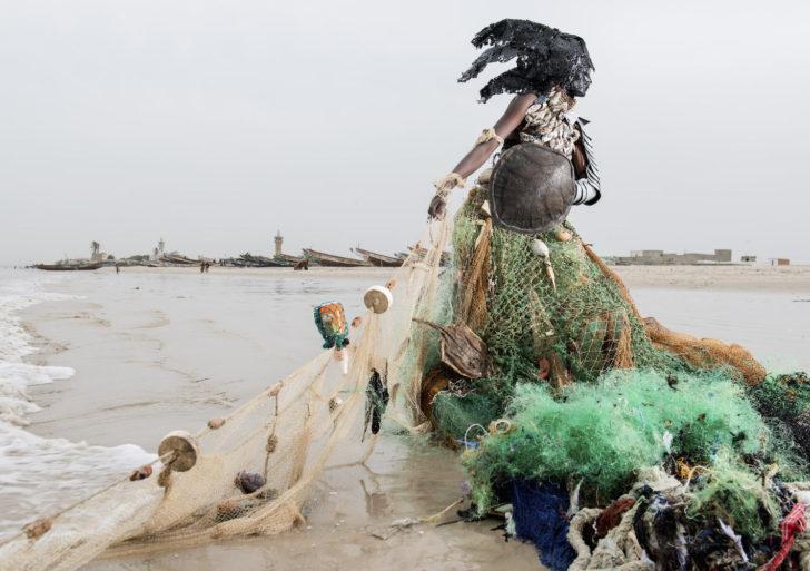 Los hijos de gaia emergen de problemas ecológicos en estas fotos