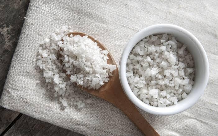 La sal gris es la sal que deberías de usar para todo en la cocina
