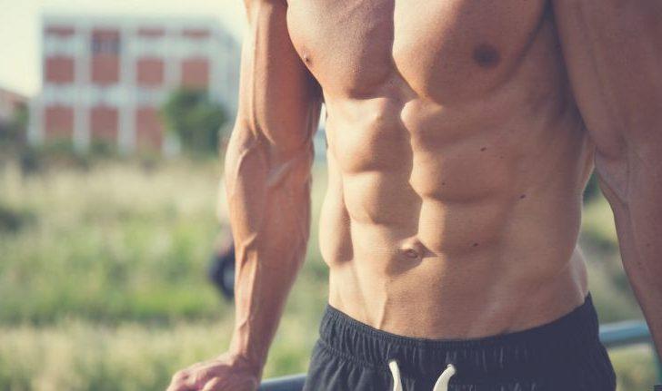 Algunas señales de que tu abdomen es débil aunque tengas cuadritos