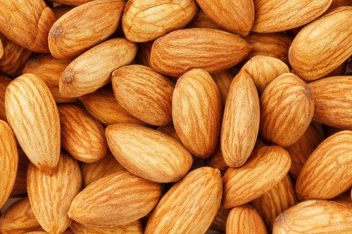 ¿Sabías que las almendras tienen 20% de calorías de lo que pensábamos?