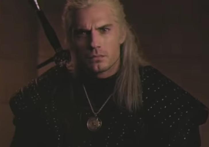 Este sería el trailer de The Witcher si hubiera salido en los 90