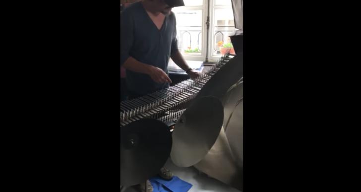 Maravíllate con el bello sonido del órgano de cristal