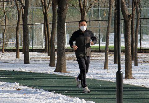¿Es seguro salir a correr durante la cuarentena?