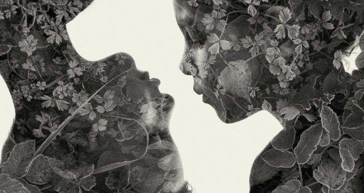 Fotos de figuras humanas distorsionadas por la naturaleza