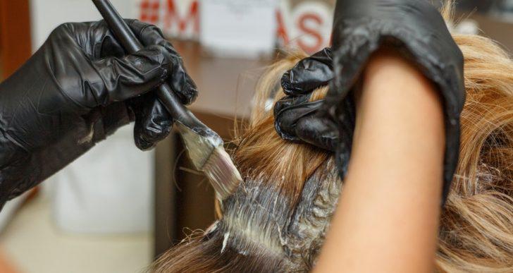Cómo aplicarte luces al pelo en casa tú solita