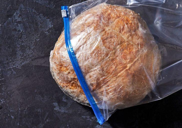 Cómo descongelar tu pan sin que sepa a cartón