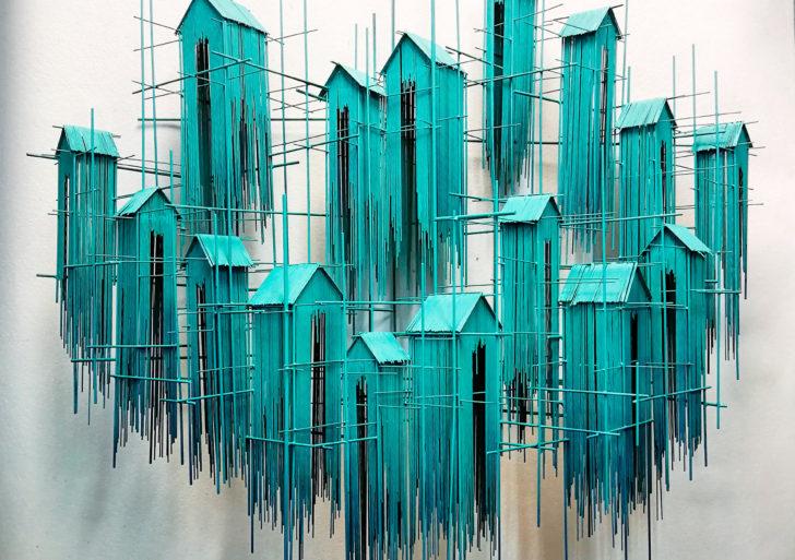 Las esculturas de David Moreno parecen bocetos arquitectónicos