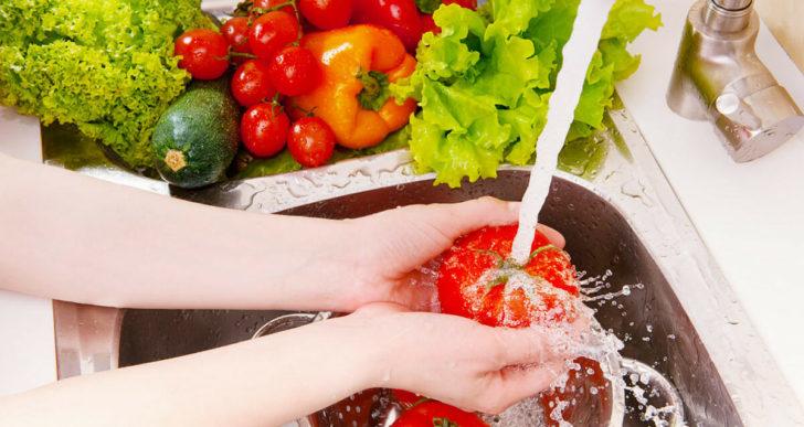 Cómo deberías de lavar tus frutas y verduras para no enfermarte