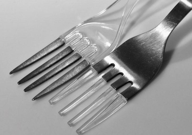 Intervenciones inusuales por Stefan Visan con objetos cotidianos