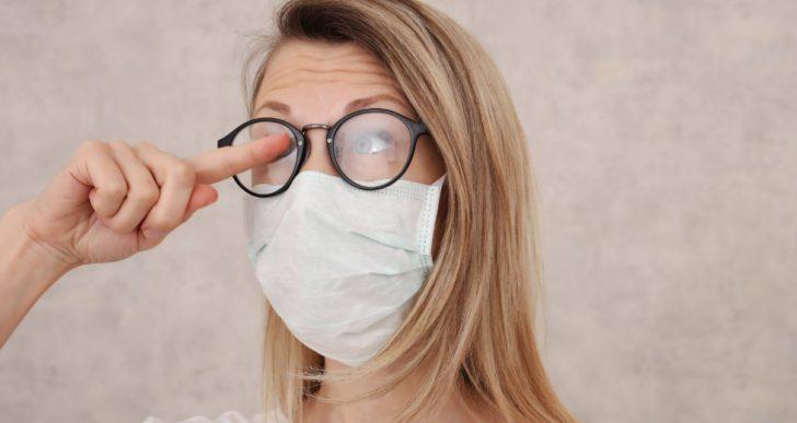 Cómo evitar que se te empañen los lentes con el tapabocas