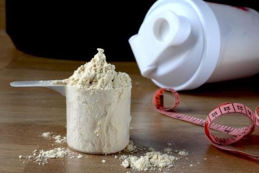 ¿Qué pasa cuando vencen las proteínas en polvo?