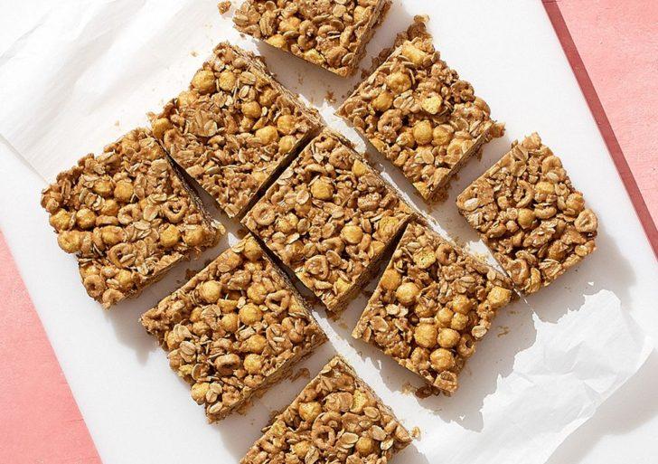 Prepárate estas deliciosas barritas de cereal en casa