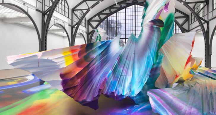 Tienes que ver esta instalación prismática por Katharina Grosse