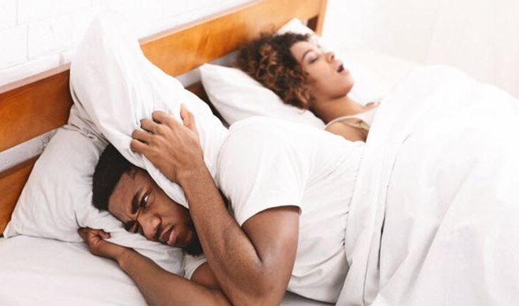 ¿Deberían de dormir separados tú y tu pareja?