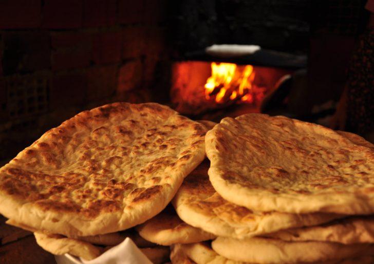 Cómo preparar un rico y sano pan plano en casa