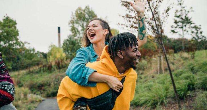 Cómo hacer que funcione y dure una relación platónica