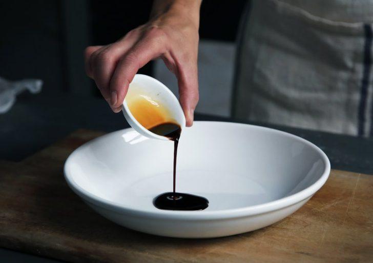 ¿Qué es la salsa de pescado y cómo la usas en la cocina?
