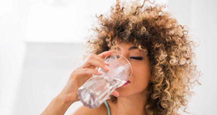 ¿Por qué parece que siempre tienes sed?