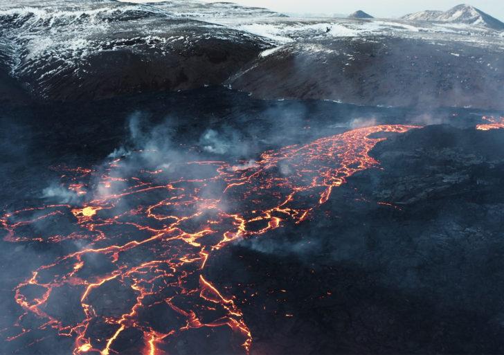 Impresionante corto captura la erupción del Fagradalsfjall en Islandia