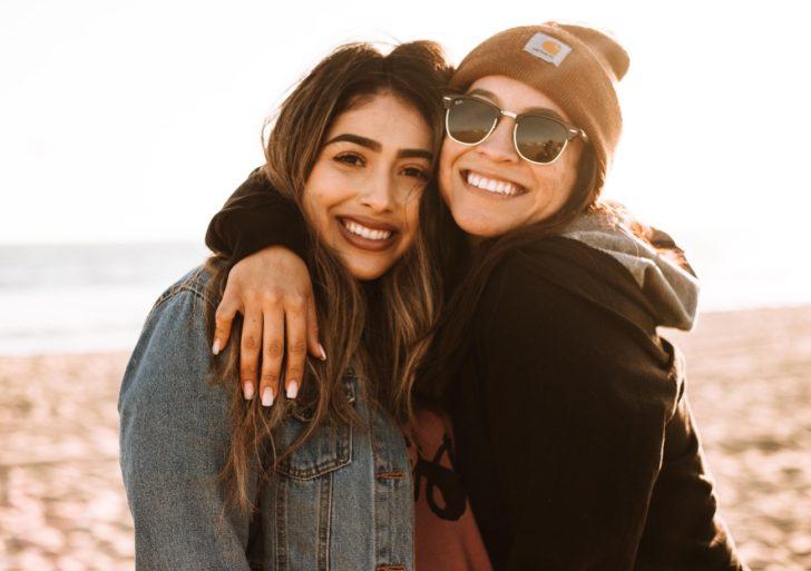 Cómo hacer nuevas amistades si eres introvertida