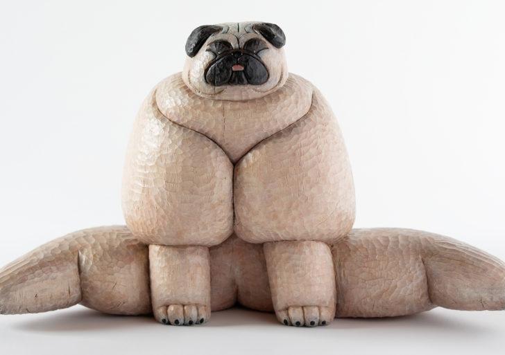 Estos perros de madera reflejan la personalidad de Misato Sano