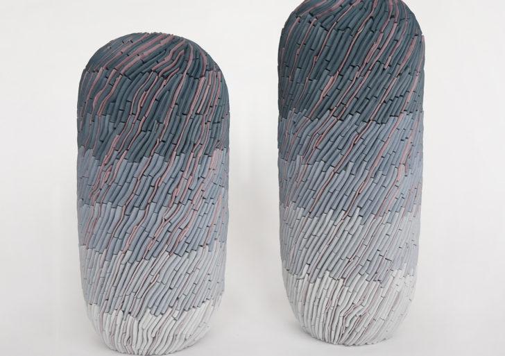 Esculturas meditativas con patrones sutiles por Alice Walton