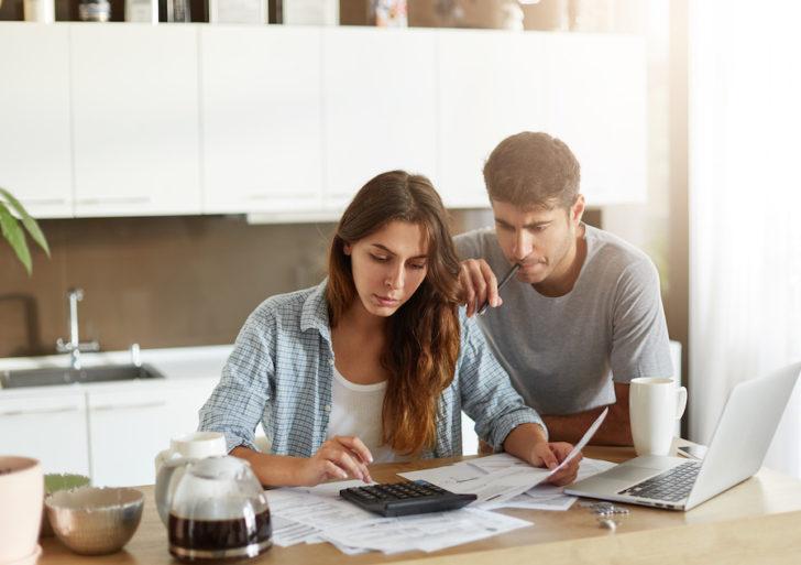 Las parejas casadas deberían de tener 4 cuentas de banco