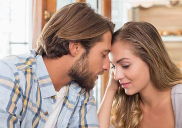 Señales que da un hombre cuando quiere besarte